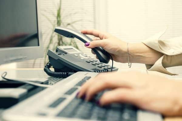 Comment terminer un appel téléphonique ?